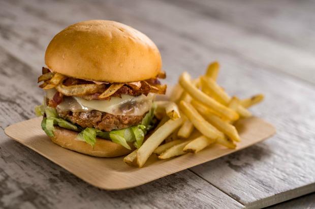 Chorizo-Burger-at-Spyglass-Grill-at-Disneys-Caribbean-Beach-Resort