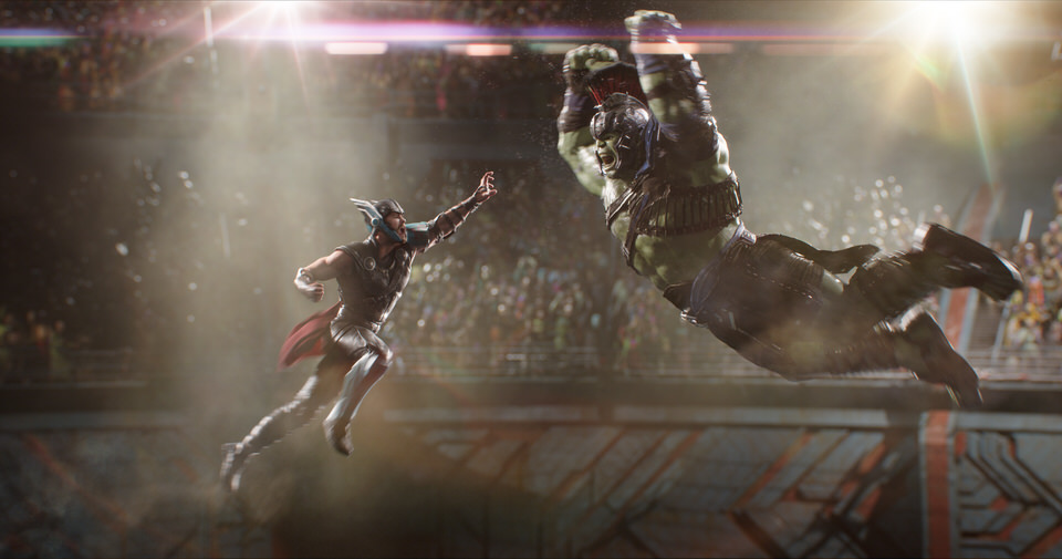 Marvel Studios Thor: Ragnarok..L to R: Thor (Chris Hemsworth) and Hulk (Mark Ruffalo)..Photo: Film Frame..©Marvel Studios 2017