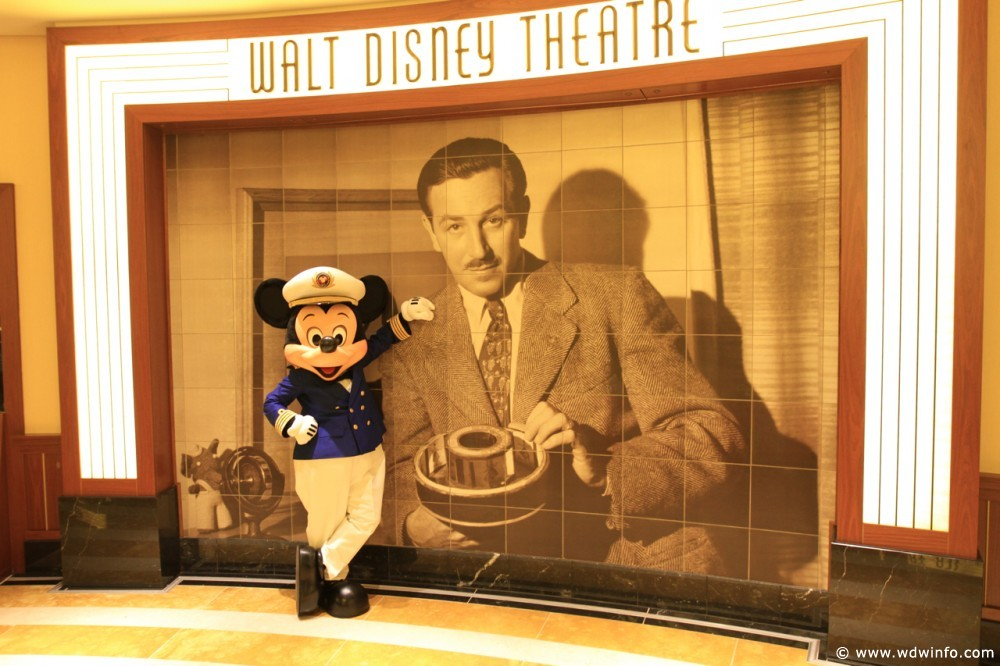 Walt-Disney-Theatre-03