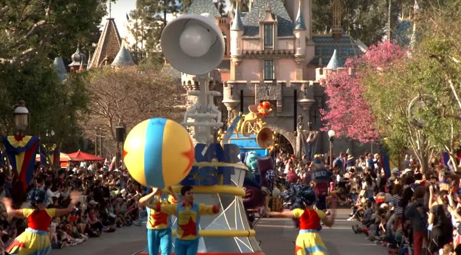 Pixar-Play-Parade