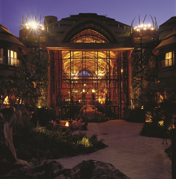Disney Animal Kingdom Lodge_exterior_HR_DAKL_ext_05_cropped