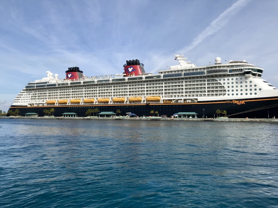 Disney-Dream-Ship-001