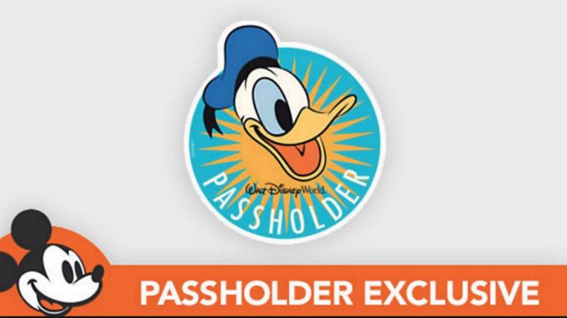 Donald Duck Passholder Magnet