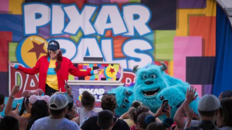 PixarPalsDance01