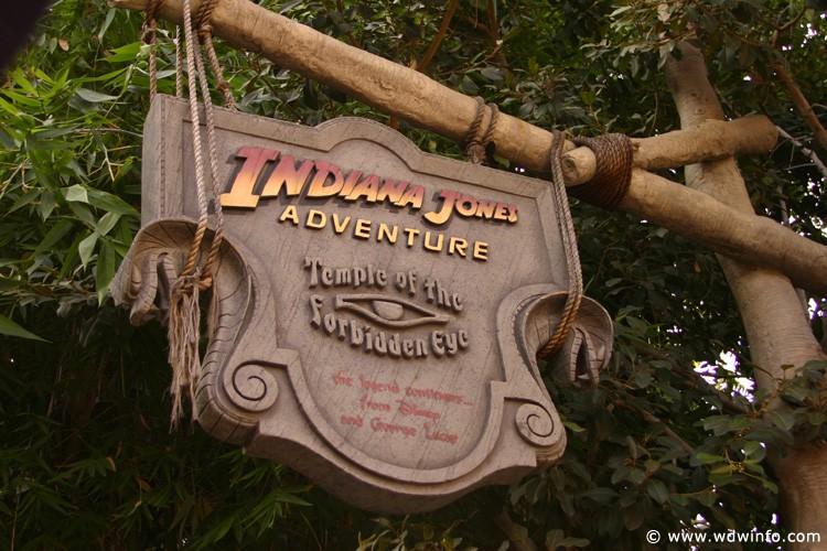 Adventureland_-_Indiana_Jones_Adventure_01