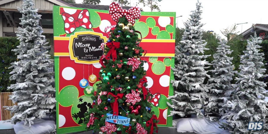mickey minnie christmas tree trail