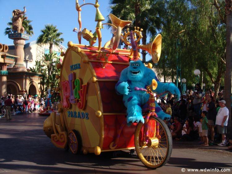 Pixar_Play_Parade_07