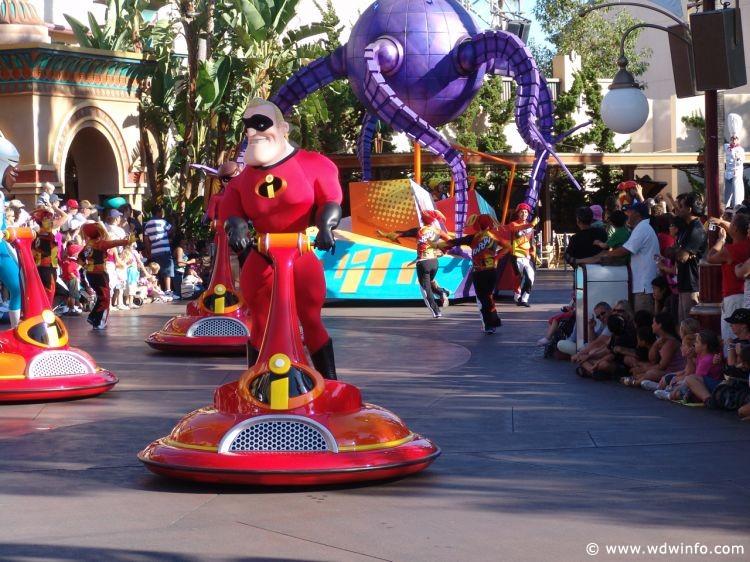 Pixar_Play_Parade_09