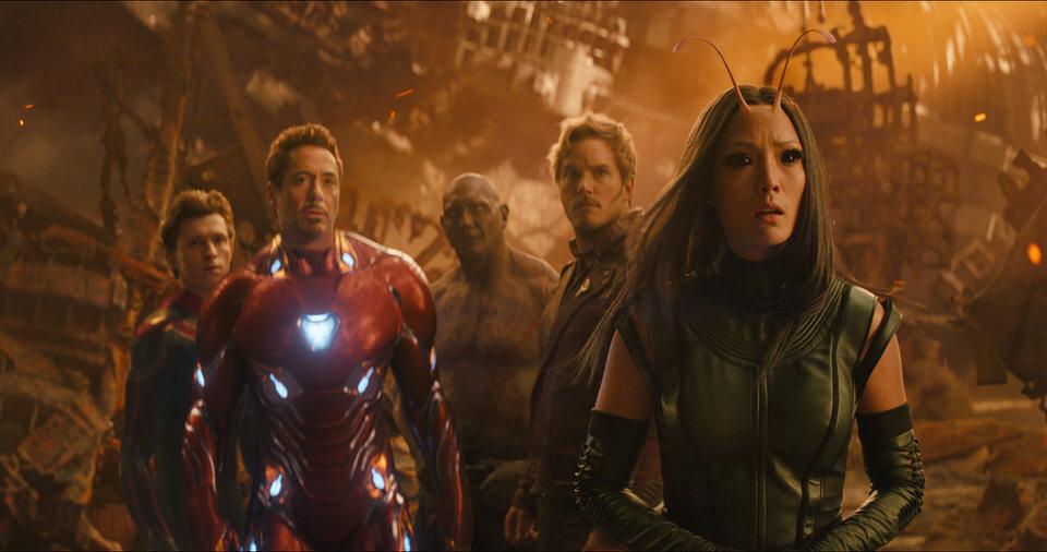 Marvel Studios' AVENGERS: INFINITY WAR..L to R: Spider-Man/Peter Parker (Tom Holland), Iron Man/Tony Stark (Robert Downey Jr.), Drax (Dave Bautista), Star-Lord/Peter Quill (Chris Pratt) and Mantis (Pom Klementieff)..Photo: Film Frame..©Marvel Studios 2018