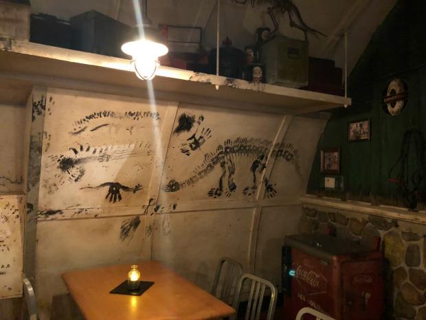 Restaurantosaurus Lounge Inside5