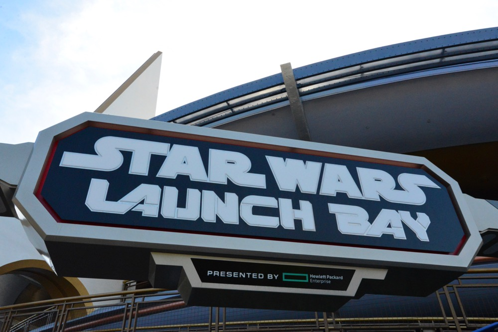 Star-Wars-Launch-Bay-49