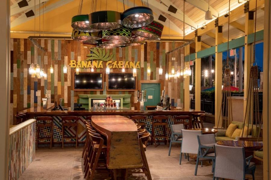 cbr-banana-cabana-inside