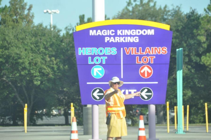 magic-kingdom-parking-sign-cm