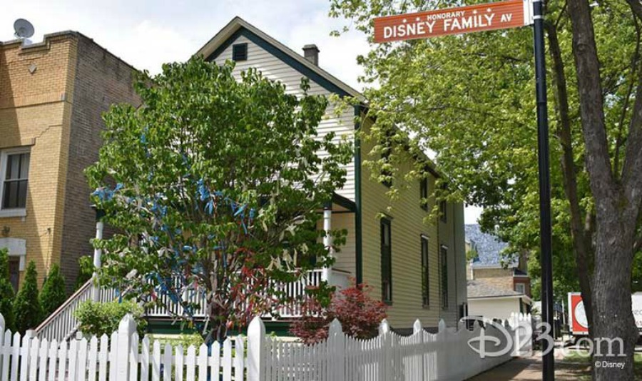 D23-10-anniversary-2019-walts-house