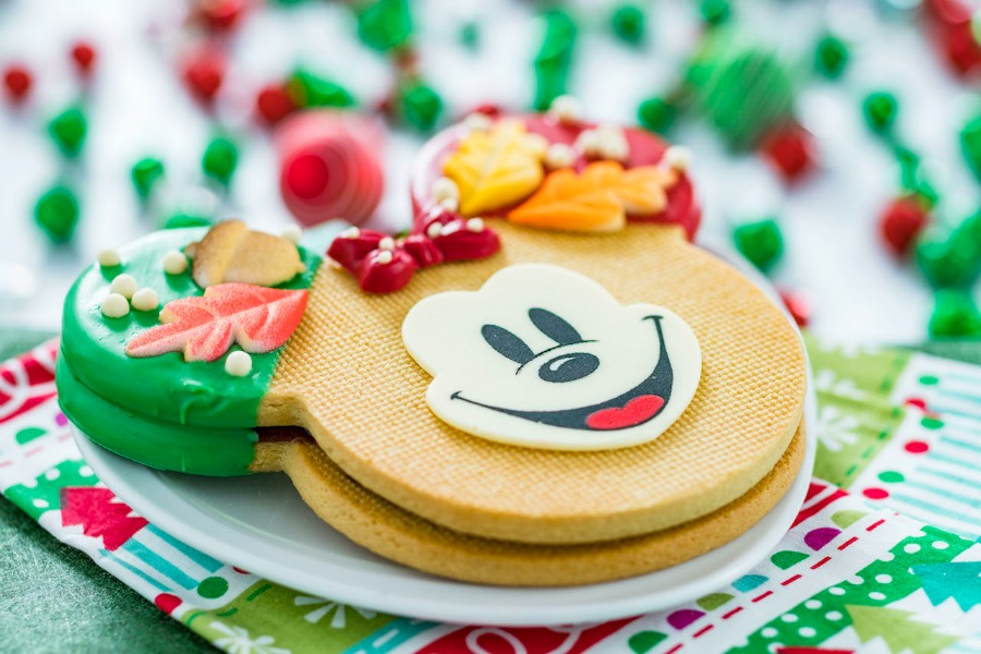 DHS-flurry-of-fun-large-minnie-shortbread