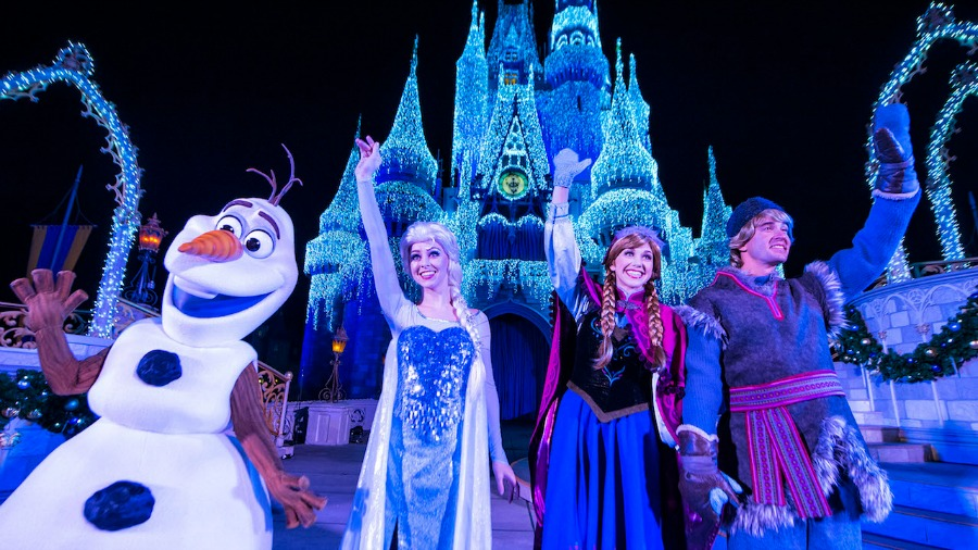 cinderella-castle-dream-lights-frozen
