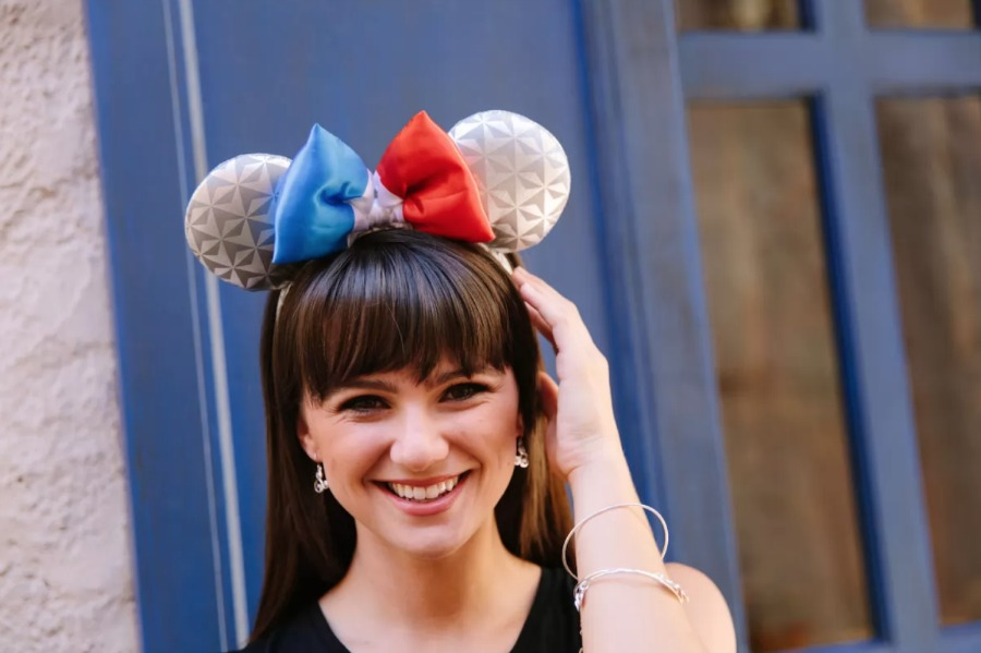 france-spaceship-earth-minnie-ears