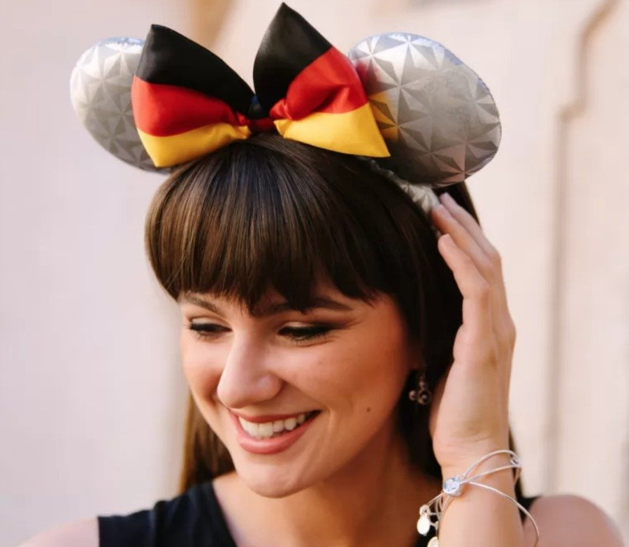 germany-spaceship-earth-minnie-ears