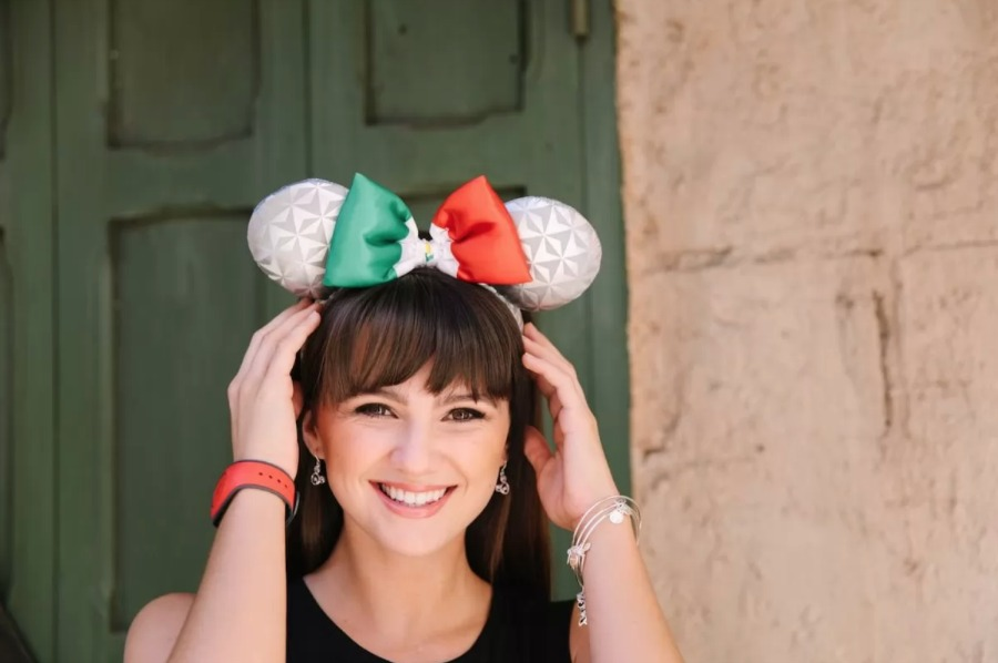 mexico-spaceship-earth-minnie-ears
