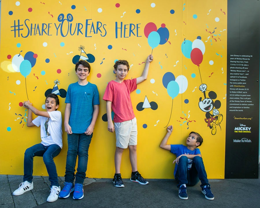 share-your-ears-wall-cirque-disney-springs