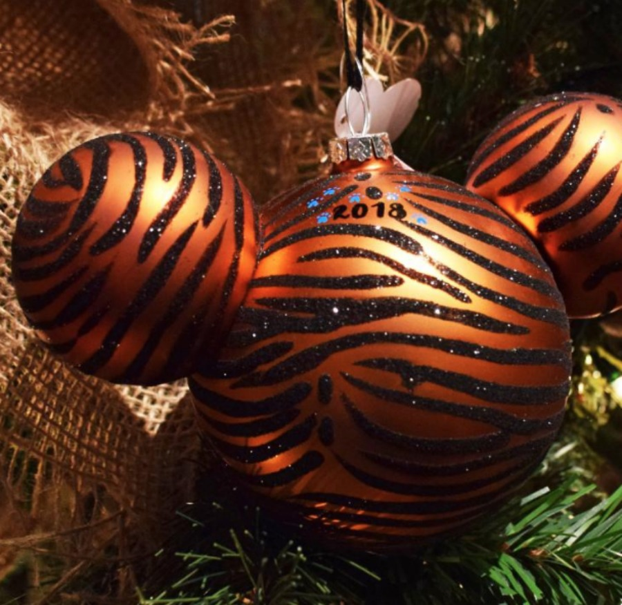 tiger-stripe-personalized-ornament