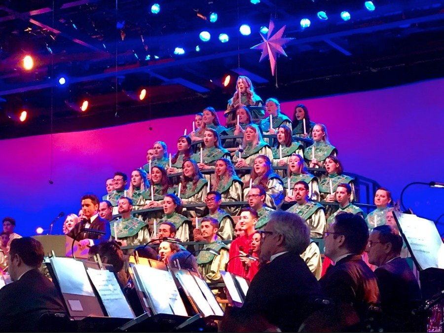 Candlelight processional celebrity narrators 2019