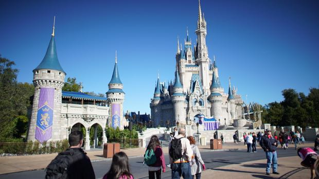 It is possible to visit Cinderella's Castle with little to no crowds. Photo: the DIS