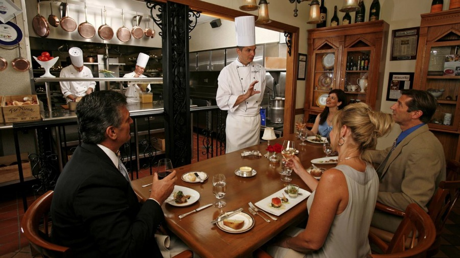 victoria-alberts-chefs-table