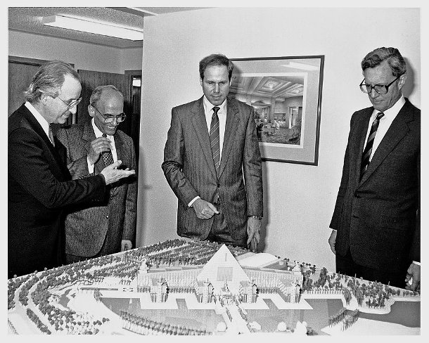 Michael-Graves-John-Tishman-Michael-Eisner-and-Frank-Wells-Disney-Swan-and-Dolphin