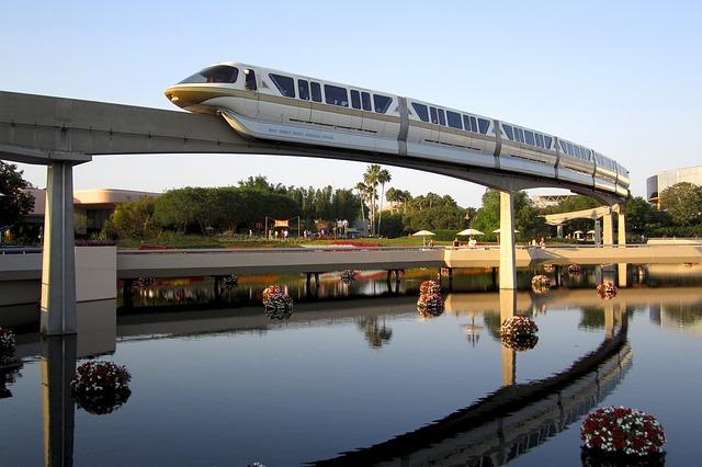 monorail-1608967_640