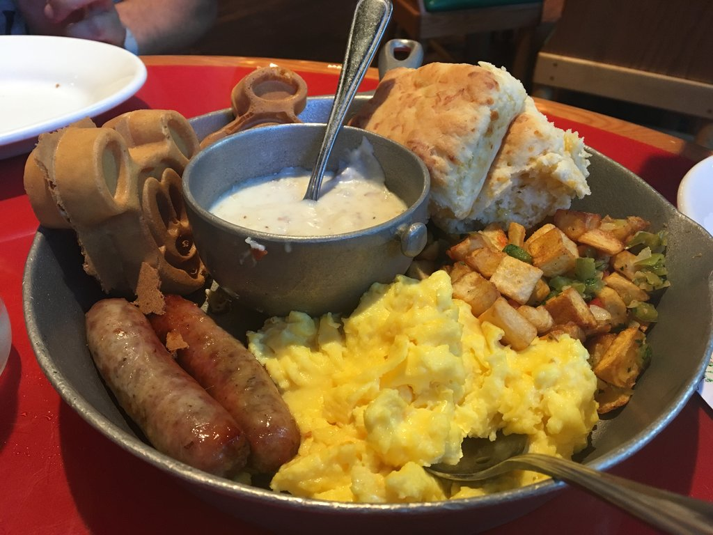 Go to Whispering Canyon Cafe for the All-You-Care-To-Enjoy skillets, and stay for the antics! Photo: Lisa Rufle