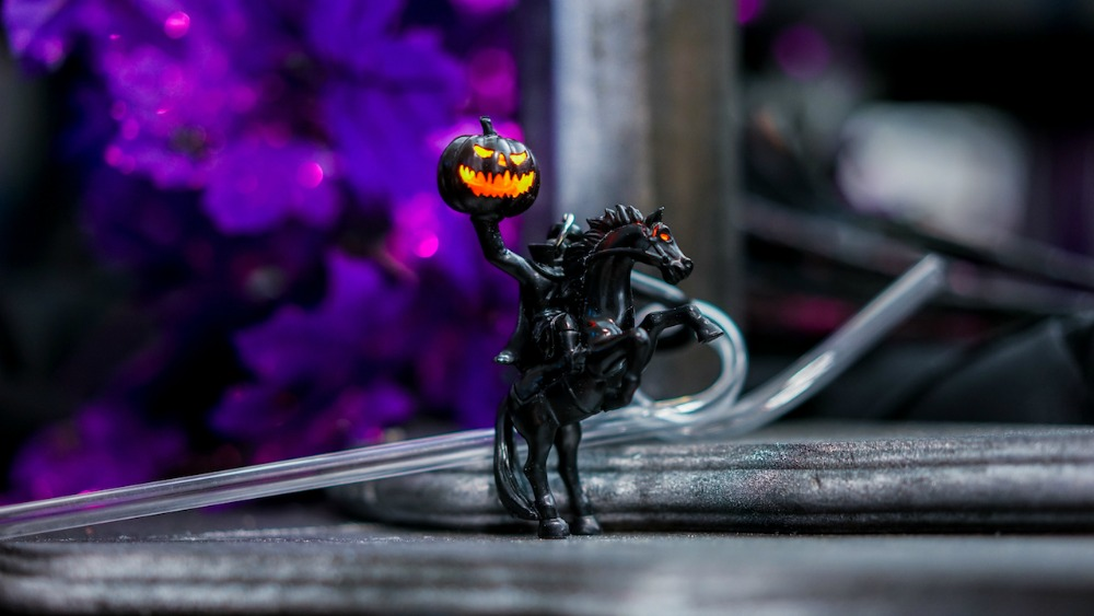 disney-villains-after-hours-headless-horseman-straw