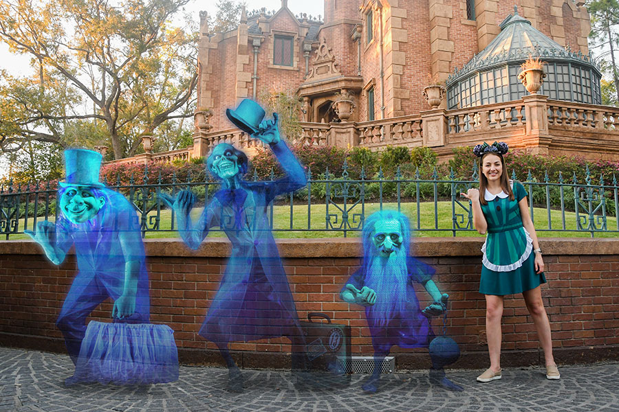 haunted-mansion-hitchhiking-ghosts-magic