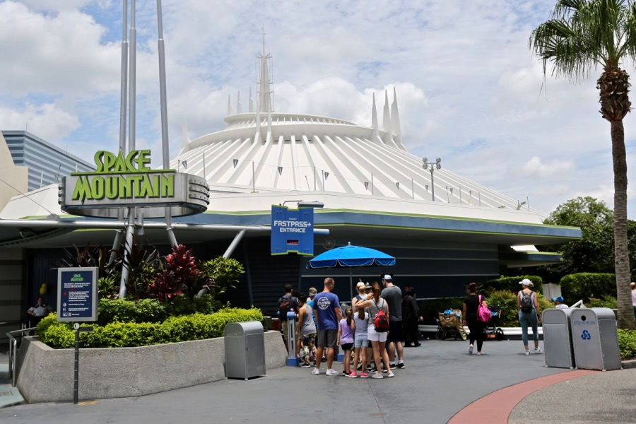 Space Mountain fast pass line photo