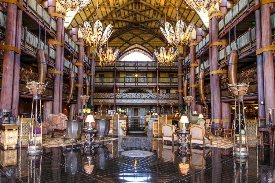 animal-kingdom-lodge-lobby-18