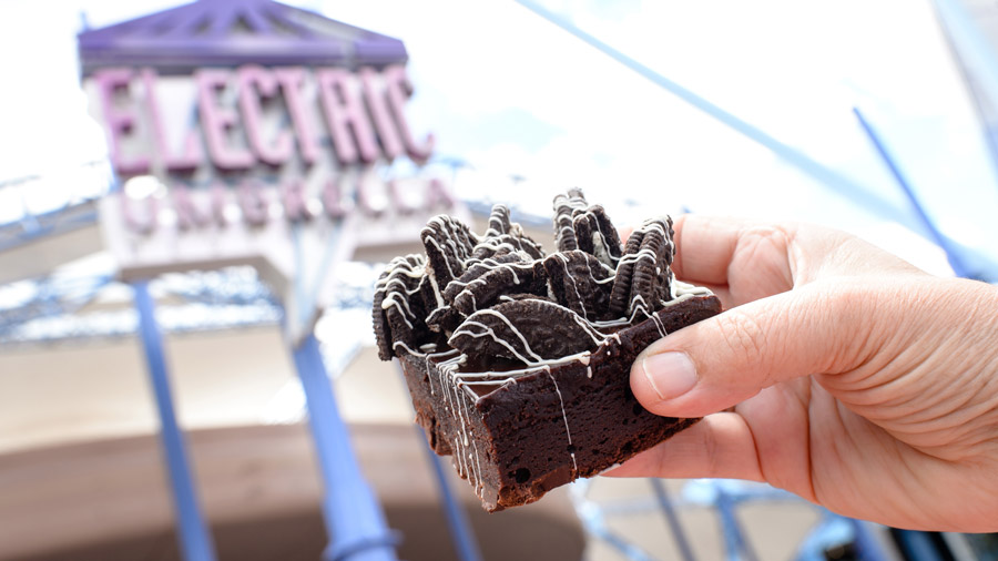 cookie-crunch-brownie-epcot