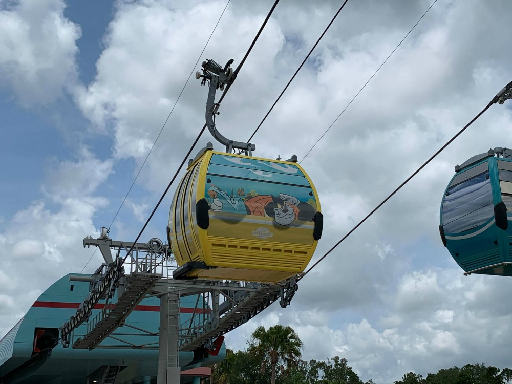 disney-skyliner-gondola-bully