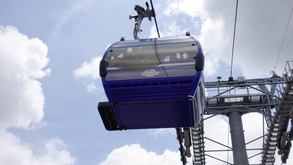 disney-skyliner-gondola-chewy-porgs