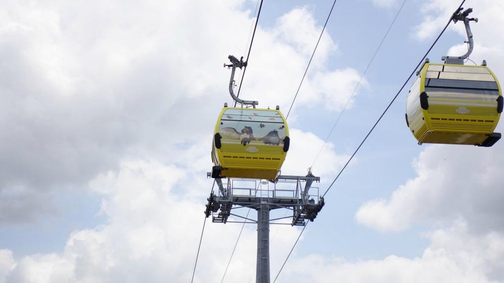 disney-skyliner-gondola-owl
