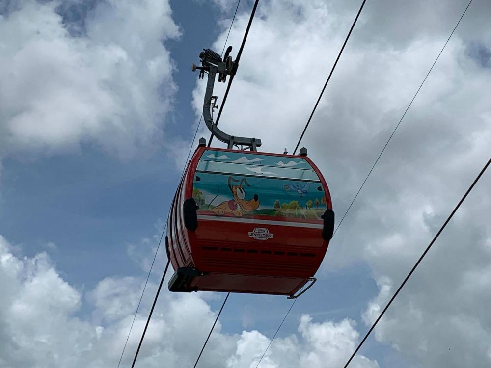 disney-skyliner-gondola-pluto