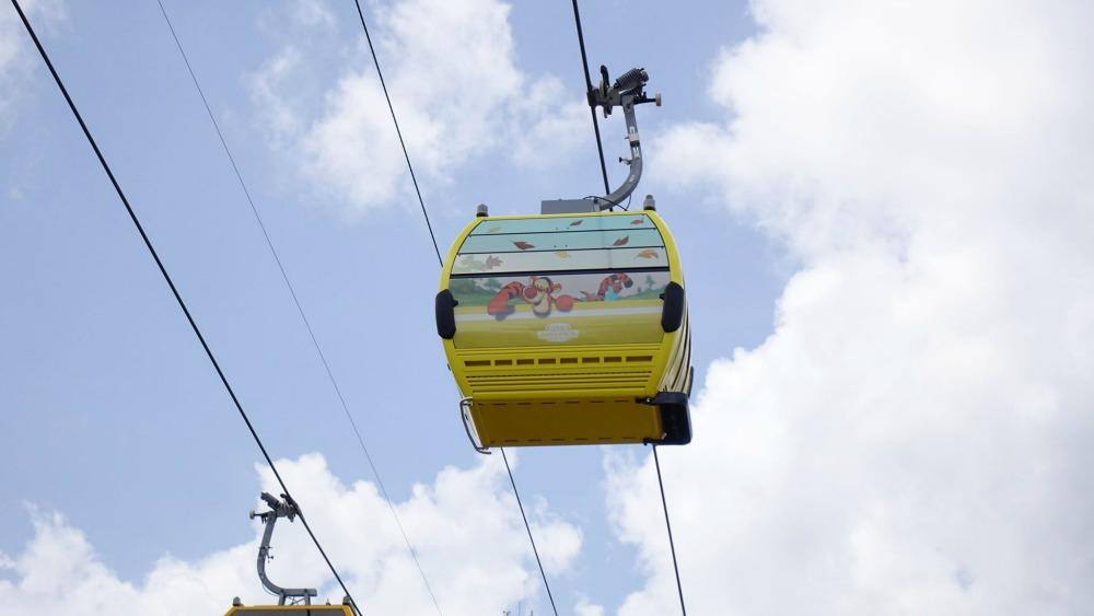 disney-skyliner-gondola-tigger