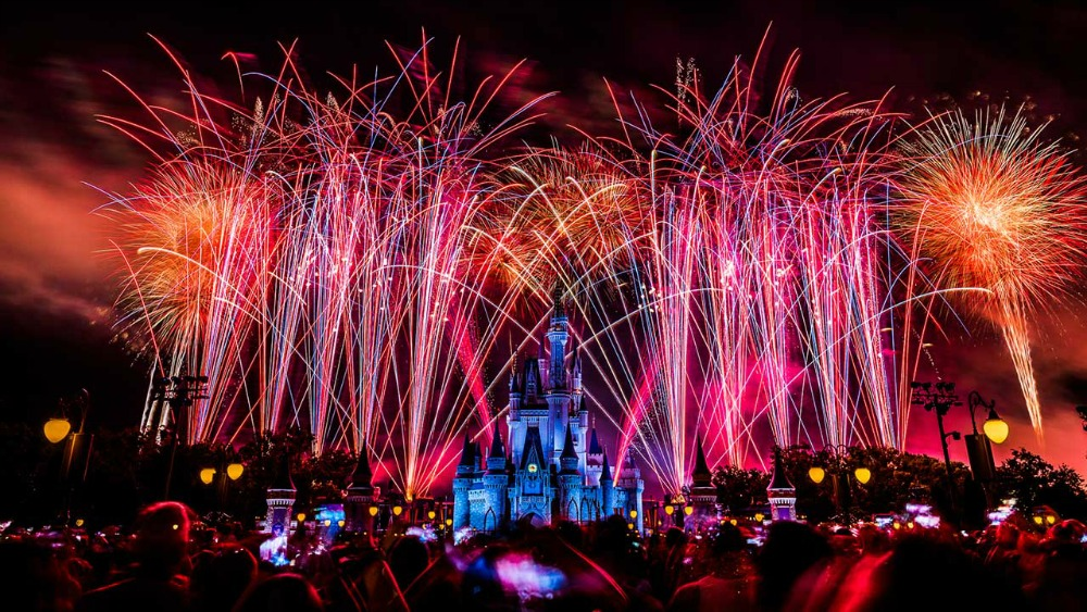 2019-magic-kingdom-july4-livestream