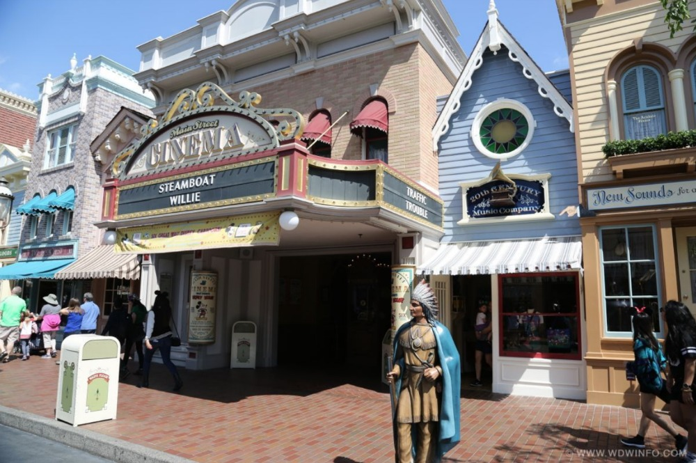 disneyland-main-street-cinema-01