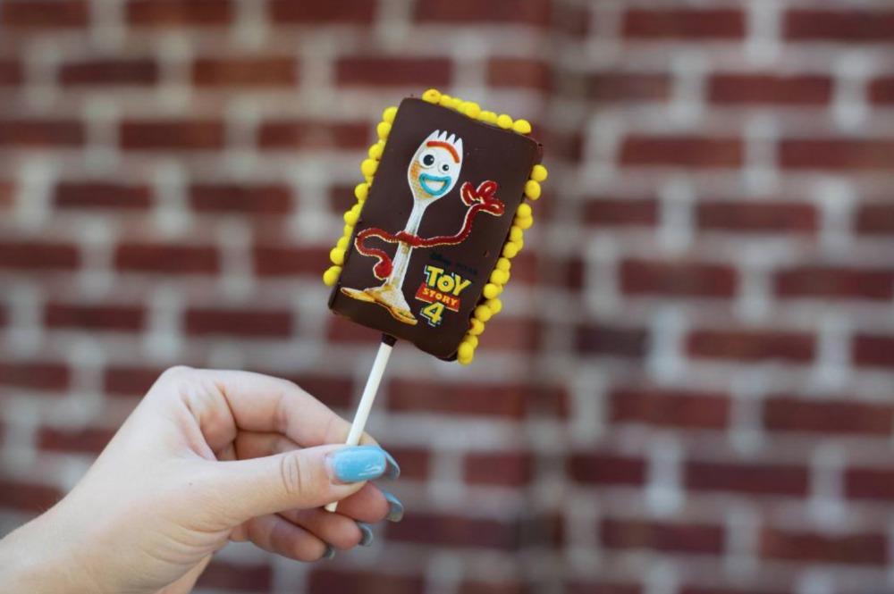forky-toy-story-4-marshmallow-pop