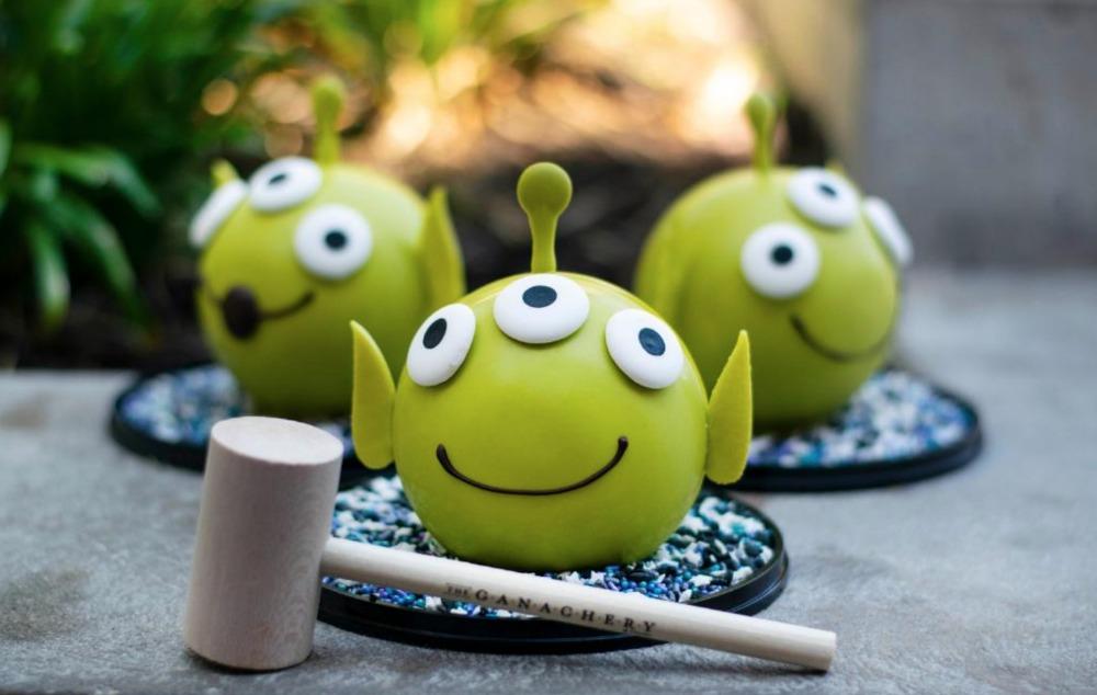 toy-story-4-green-alien-pinata