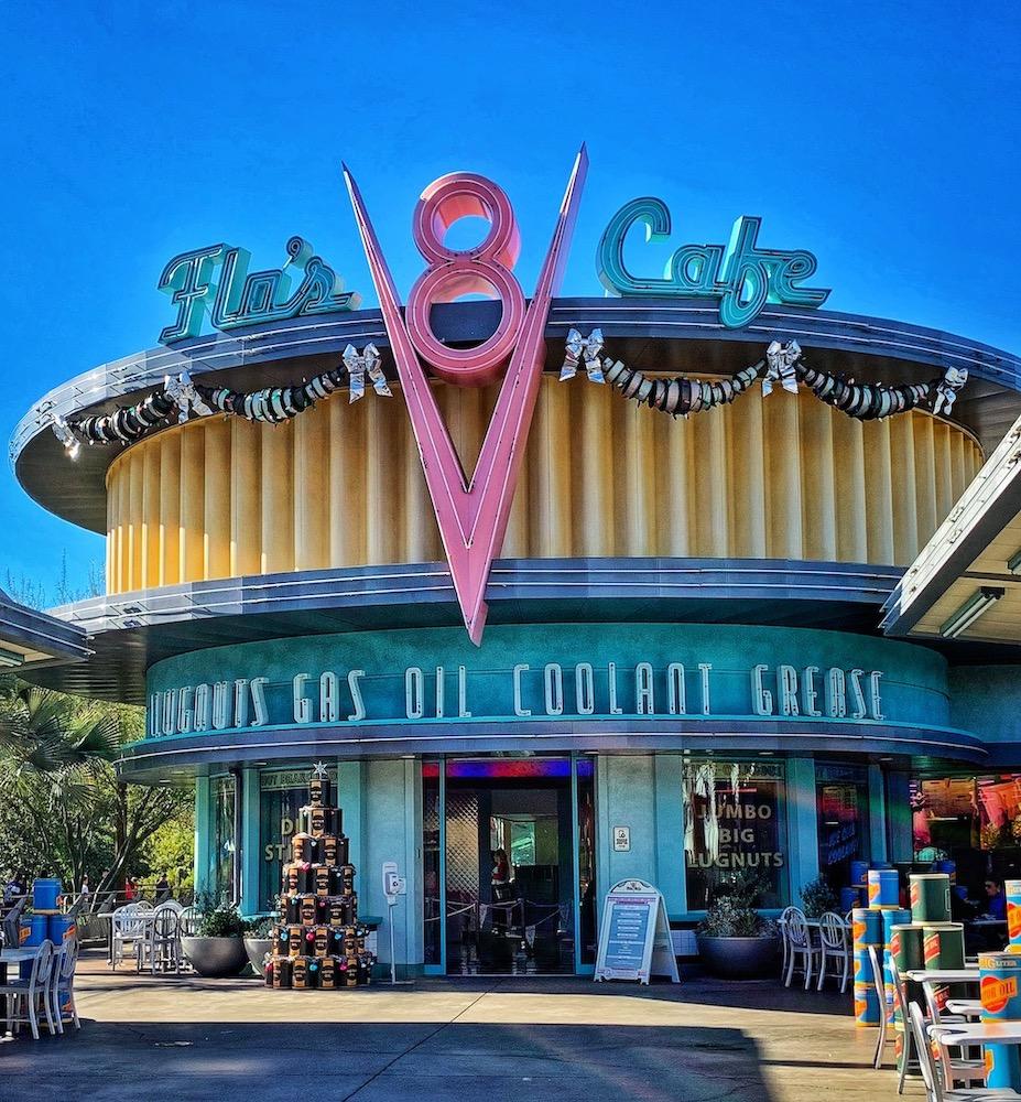 Cars Land - Flo's V8 Cafe
