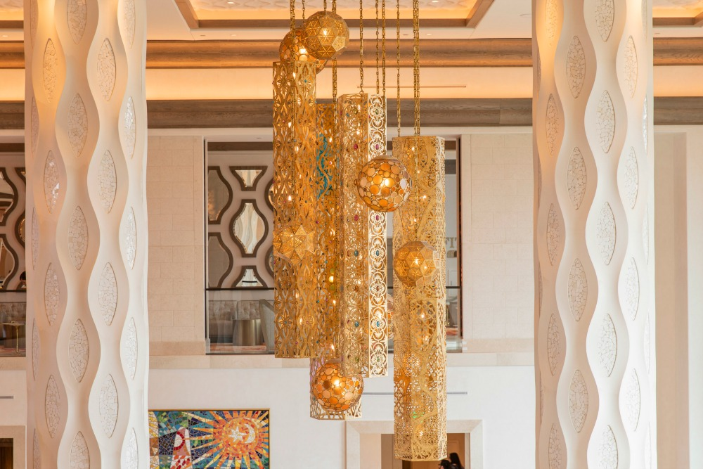 gran-destino-tower-lobby-chandeliers