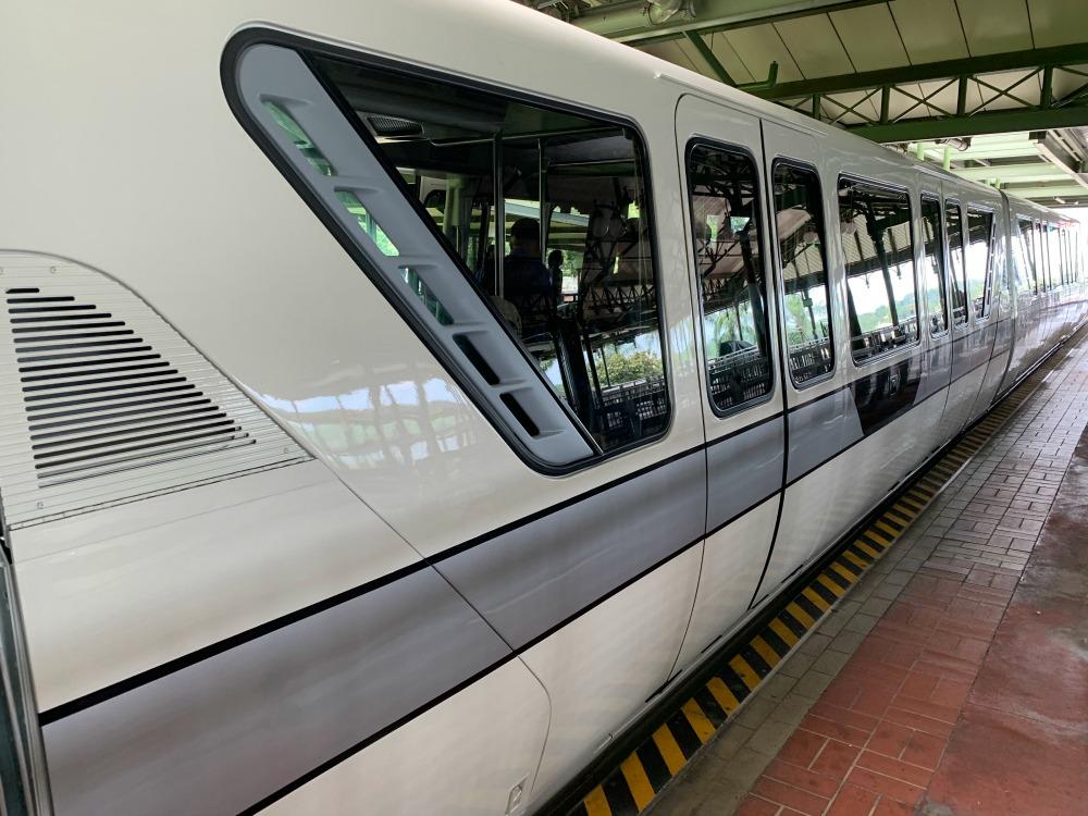monorail-silver-02