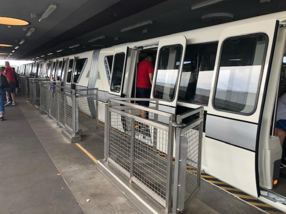 monorail-silver-07
