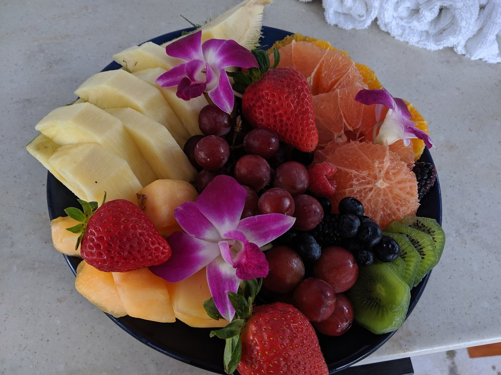 """Nothing says """"relax, you're on vacation"""" like a fresh fruit plate in your Disney cabana! Photo: Lisa Rufle"""